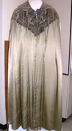 Cape Made Of Silk And Made By Liberty & Co. (British, Founded In London, 1875) - British   c.1902   -   The Metropolitan Museum Of Art