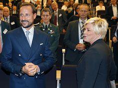 Crown Prince Haakon and Finance Siv Jensen on the Association's anniversary conference (Photo: Cornelius Poppe, NTB Scanpix