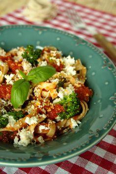 Tagliatelle de quinoa com brócolos e requeijão