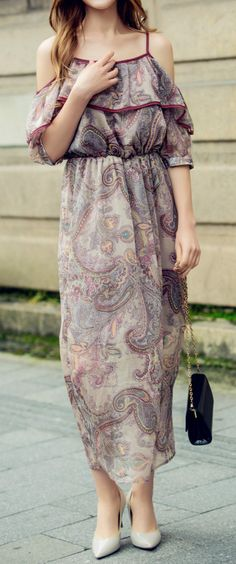 This spaghetti strap chiffon dress and you deserve a weekend getaway! More surprise at oasap.
