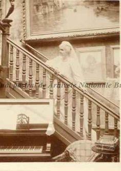 Regina Elisabeta a României, s. Romanian Royal Family, Queen Anne, Royalty, Country, Home, Gotha, Greece, Royals, Rural Area