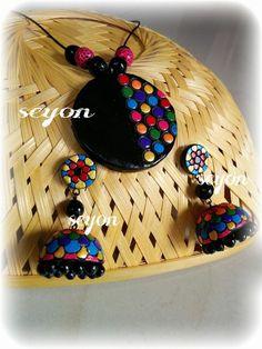 terracotta Terracotta Jewellery Making, Terracotta Jewellery Designs, Terracotta Earrings, Jewelry Design Earrings, Jewelry Art, Handmade Polymer Clay, Polymer Clay Jewelry, Teracotta Jewellery, Paper Quilling Earrings
