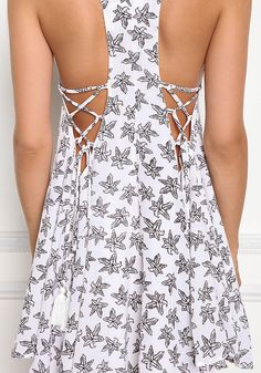 White Leaf Print Lace Up Hi-Lo Dress - Dresses Cute Casual Outfits, Boho Outfits, Casual Dresses, Short Dresses, Fashion Outfits, Summer Dresses, Diy Fashion, Ideias Fashion, Fashion Tips