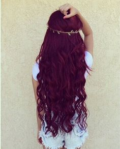 Image via We Heart It #curlyhair #hairgirl #hairstyle #hairstyles #hairgirls #hairstylegirls #hairstylegirl #longredhair<3