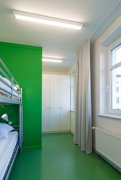 berlin 2008 - ronald s. lauder foundation - jewish - linoleum - bold - colors - green - shared room - bedroom - zimmer - hochbett - grün