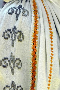 Romanian blouse - ie detail. Cheita