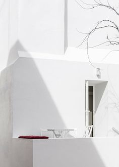 CASA DA SEVERA - Lisbon, Portugal - 2012 - José Adrião Architects #white #architecture