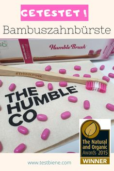 Getestet: Die Humbel Brush Bambuszahnbürste aus Schweden. Die Zahnbürste besteht aus 100% abbaubarem Bambus und ist von Zahnärzten entwickelt. Ohne Bisphenol A, deshalb auch geeignet für Kinder.   Beim Verkauf jeder Zahnbürste wird von der Stiftung Humble Brush eine Zahnbürste im gleichen Wert an die Stiftung Kinder in Not gespendet.  Meine Insta-Kollegin hat die Zahnbürste getestet, ob ich sie nachgekauft habe? Mehr dazu hier: