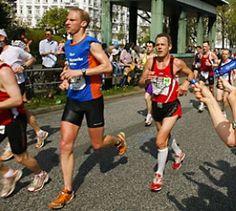 Barfußjoggen ist gesünder - Sport-Studie - Wer gelegentlich barfuß laufen geht, schont damit seine Gelenke.