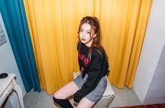 Bora Lim, Face Claims, Pretty Girls, Korean Fashion, Photoshoot, Poses, Solar, Pandora, Outfits