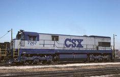 (U30C).  CSX #7267  G.E. U30C   (AAR) C-C. 3000H.P.. Built 1966-76