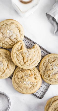These are the BEST soft and chewy sugar cookies. They are dense, doughy, and HUGE. It's like making bakery-style sugar cookies in your own kitchen. cookies Soft and Chewy Sugar Cookies Chewy Sugar Cookies, Cookies Et Biscuits, Chocolate Chip Cookies, Cookies Soft, Chewy Candy, Homemade Sugar Cookies, Salted Caramel Cookies, Cream Cookies, Ginger Cookies