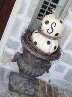 pumpkin topiary by anastasia White Pumpkins, Painted Pumpkins, Fall Pumpkins, Halloween Pumpkins, Halloween Crafts, Halloween Decorations, Halloween Ideas, Autumn Decorations, Seasonal Decor