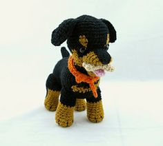 Some fun accessories for your Rottweiler puppy that can be easily adapted for other amigurumi dogs.