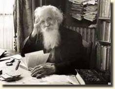 """"""" Le principe de l'approfondissement de notre être, c'est la communion de plus en plus profonde avec la nature.""""  citation de Gaston Bachelard (1884-1962)"""