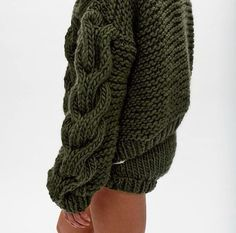 Fall Fashion 2017 Contemporary Knitwear - chunky sweater with cable knit sleeve detail // I Love Mr Mittens Knitwear Fashion, Knit Fashion, Fashion 2017, Paris Fashion, Fall Fashion, I Love Mr Mittens, Big Knits, Chunky Knits, Thick Sweaters