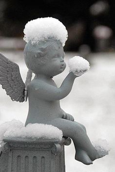 Snowy Angel <3