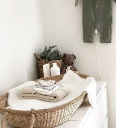 Lidor - Verschoningsmand -changing basket - This stunning changingcorner is soo ready for a baby👶🏼 📷 - Baby Bedroom, Baby Boy Rooms, Baby Boy Nurseries, Baby Room Neutral, Nursery Neutral, Nursery Nook, Baby Changing Table, Monochrome Nursery, Nursery Inspiration