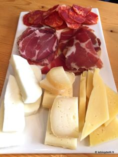 The French Riviera, Cannes, in the cheese market ~ A francia Riviéra, Cannes, a sajt piacon Porto Portugal, Portugal Travel, Spain And Portugal, Algarve, My Favorite Food, Favorite Recipes, Douro, Portuguese Recipes, Portuguese Food