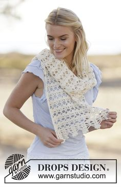 Crochet DROPS stole with lace pattern in Cotton Light. Free pattern by DROPS Design.