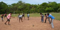 Seven stones is a traditional game in India that is played across the country. Learn how to play! Dog Games, Games For Kids, Childhood Games, Childhood Memories, Village Games, Indians Game, Indian Village, Sport Of Kings, Traditional Games
