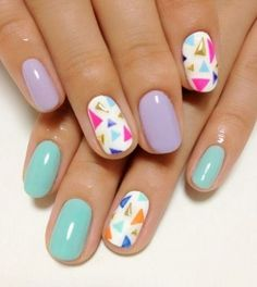 pastel-nails-triangle-studs