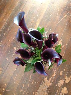 Cool, funky bouquet! #utahweddings #willowspecialtyflorist #utahbrideandgroom #utahflorists
