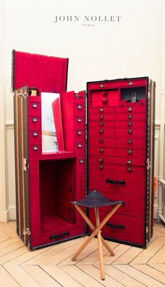 John Nollet Paris LV salon trunk