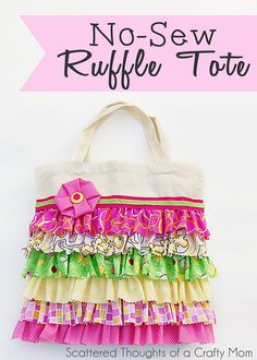 Tutorial to make this adorable ruffled tote bag w/ NO SEWING! Also has sewing instructions for those who know how to sew! Sewing Tutorials, Sewing Crafts, Sewing Projects, Sewing Patterns, Bag Tutorials, Ruffles Bag, Ruffle Skirt, Diy Clothes Refashion, No Sew Refashion