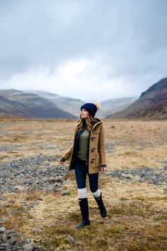 Alyssa Campanella of The A List on a road trip to Siglufjörður, Iceland wearing Gloverall Monty Duffle Coat Camping Outfits, Hiking Outfits, Winter Wear, Autumn Winter Fashion, Winter Snow, Casual Winter Outfits, Fall Outfits, Mode Country, Looks Country