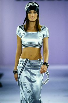 Carla Bruni for Anna Sui Spring 1994 Ready-to-Wear Fashion Show - Carla Bruni