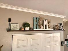 High Shelf Decorating, Plant Ledge Decorating, Decorating Ideas, Decor Ideas, Bar Ideas, Top Of Cabinets, Above Cabinets, Shelf Over Door, Shelf Above Window