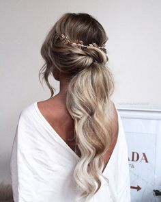 low ponytail hairstyles for weddings hair frisuren haare hair hair long hair short Ponytail Bridal Hair, Big Ponytail, Low Ponytail Hairstyles, Hairstyle Photos, Knotted Ponytail, Ponytail For Wedding, Wedding Pony Tail, Low Ponytails, Formal Ponytail