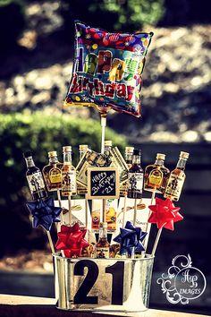 Shot Bouquet 21st Birthday Crafts, 21st Birthday Basket, 22nd Birthday, 21st Birthday Gifts For Guys, Birthday Cakes, Shot Bouquet, Man Bouquet, Alcohol Bouquet, Liquor Bouquet