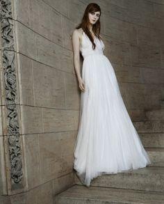 Modern bride from Vera Wang 2015 Collection. #loveit #weddingdresses