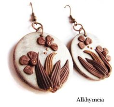 Hidden Nature S22 polymer clay earrings in light gold by Alkhymeia, €11.00