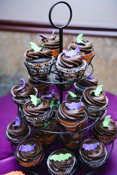 Spooky wedding cupcakes