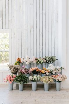 love these gorgeous bouquets