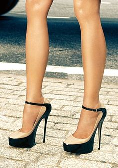 Jimmy Choo two toned shoes...get in my closet.