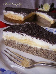 Krémes máktorta Hungarian Recipes, Cinnamon Apples, Sweet Desserts, Coffee Cake, Cheesecake, Clean Eating, Food And Drink, Sweets, Snacks