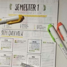 Use your bullet journal for school to get ahead! We& highlighting school bullet journal spreads to help you succeed this semester. Bullet Journal Student, Organization Bullet Journal, Bullet Journal 2019, Bullet Journal Themes, Bullet Journal Spread, Bullet Journal Layout, School Organization, Bullet Journal Inspiration, Journal Ideas