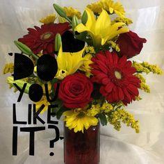 . . #enchantedflorist #enchanted #flowers #roses #lovemyjob...