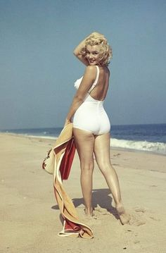 Norma Jeane-Marylin Monroe-by Sam Estilo Marilyn Monroe, Art Marilyn Monroe, Marylin Monroe Body, Marilyn Monroe Haircut, Marilyn Monroe Swimsuit, Marilyn Monroe Wallpaper, Hollywood Glamour, Classic Hollywood, Old Hollywood