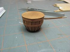Dollhouse Miniature Furniture - Tutorials | 1 inch minis: How to make a round basket