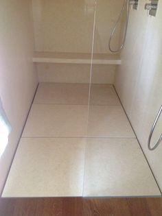 #Piatto #doccia #filopavimento cm 220x120 su misura con pedane #sollevabili #rivestite in #marmo By #SILVERPLAT
