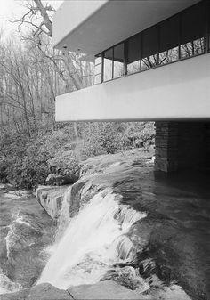 Fallingwater, Ohiopyle, Fayette County PA | Frank Lloyd Wright | Image : Jack E. Boucher