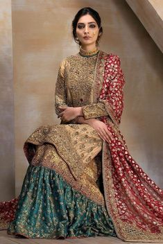 A bridal combination fit for a queen. Gold tissue shirt fully handworked front and back, paired with a zarri organza bridal dupatta with heavily handworked borders. Paired with a deep jewelled green and gold handworked gharara. Pakistani Wedding Outfits, Pakistani Wedding Dresses, Bridal Outfits, Indian Dresses, Indian Outfits, Bengali Wedding, Dress Wedding, Pakistani Gharara, Pakistani Clothing