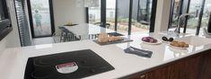 Excelente elección de #Dekton Glacier para la mesada de cocina, de lavadero y mesa, y #Dekton Kelya para la mesada de baño, en este sofisticado espacio realizado porCesar Stivaletta y Carla Belussi junto con la marmolería Itati. #NoSeRaya #NoSeMancha #NoSeQuema #ResisteUV #EstiloPilar2017 Table Settings, Laundry Rooms, Quartos, Space, Kitchen, Furniture, Interiors, Style, Place Settings