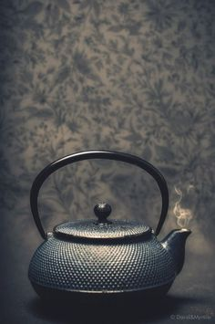 .dark tea time