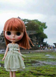 Blythe travels to Bali!